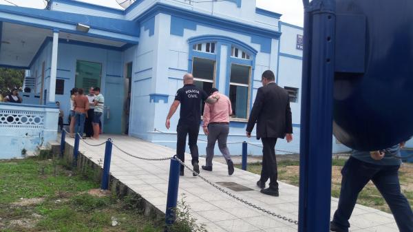 Vereador Marinho da Estiva é preso dentro da Câmara de Vereadores de Garanhuns por Policiais da Operação Sem Fronteiras