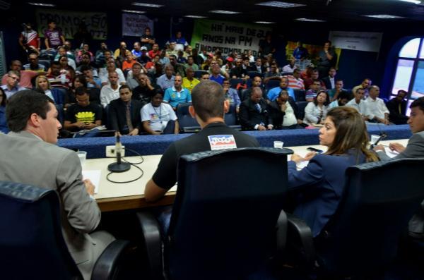 EM PERNAMBUCO, A POLÍTICA DÁ AS COSTAS PARA A SEGURANÇA