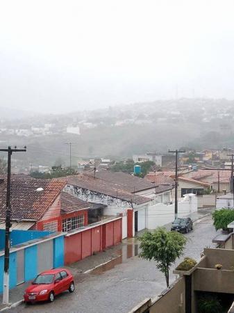 INVERNOU: Choveu 44, 5 milímetros nas últimas 48 horas em Garanhuns