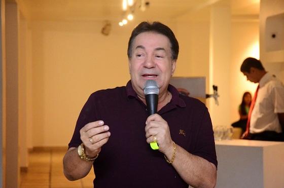 FOI CHAMADO DE COVARDE: Prefeito de Garanhuns está em Brasília, diz nota