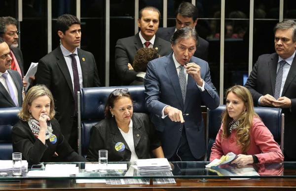 Com 50 votos favoráveis, Senado aprova reforma trabalhista