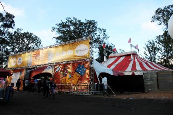Mais de 7 mil pessoas conferem espetáculos do Circo no FIG