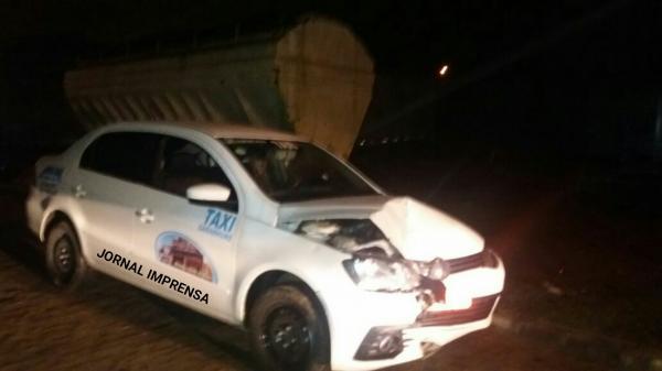 VIOLÊNCIA: taxista reage a assalto, desarma assaltantes e bate carro no Parque Fênix, em Garanhuns