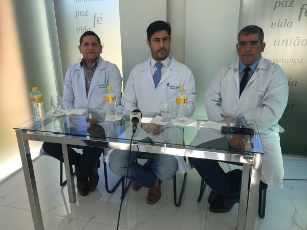Médicos retiram sedação e Alexandre Farias realiza movimentos, diz boletim