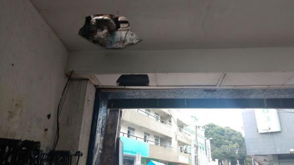 INACREDITÁVEL: Loja que foi arrombada duas vezes mesma na noite esta semana no centro de Garanhuns é novamente alvo da ação de ladrões