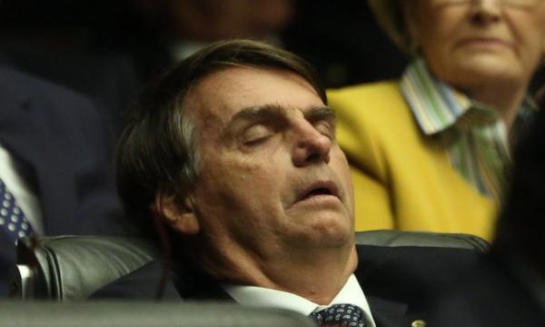 Bolsonaro grava vídeo com vereador que emprega sua ex-companheira